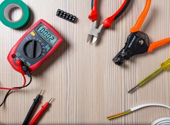 לימודי הנדסאי חשמל באתגר